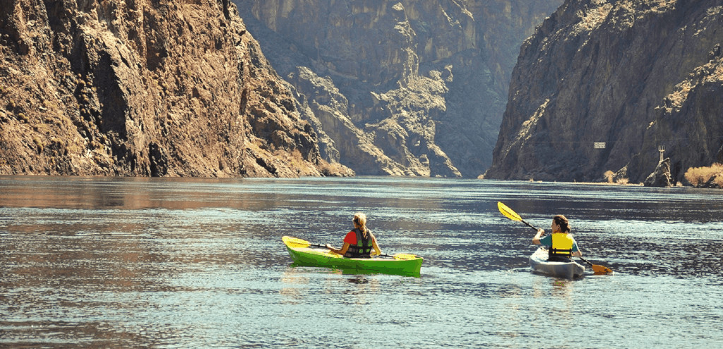 learn how to kayak: non-technical beginner's guide