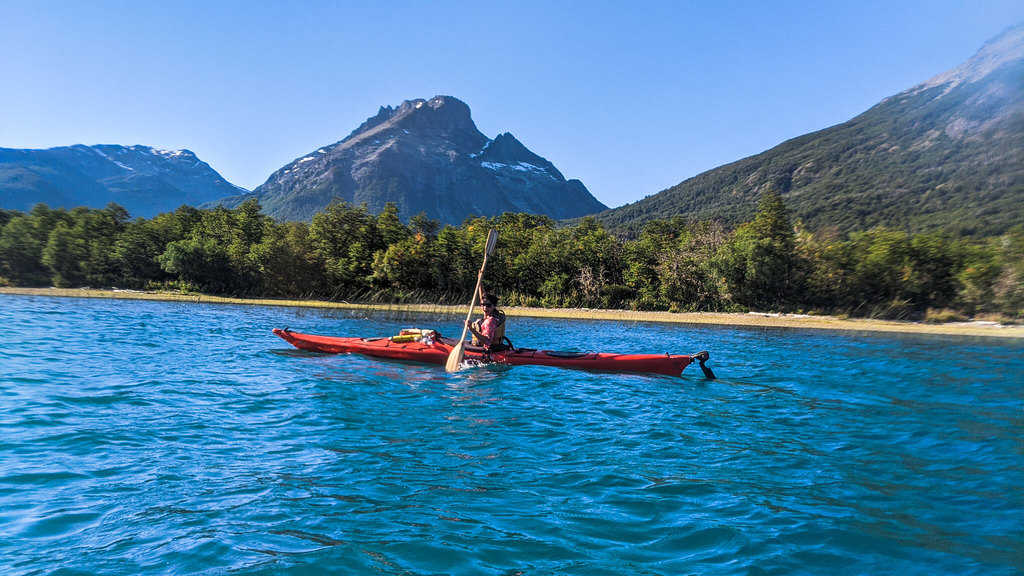 Kayak Safety Tips & Accessories − Stay Safe At All Times!