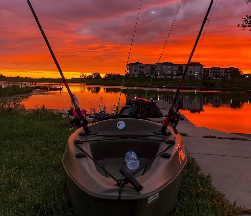 Journey 10 SS Kayak Review [2021] − A Cheap Fishing Kayak That Does The Job